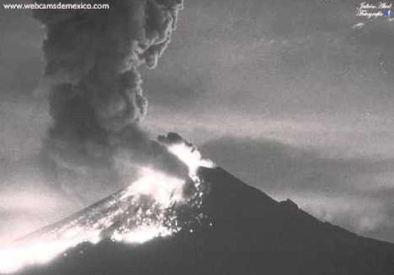 Webcam image of Popocatépetl explosive eruption of April 3 2016